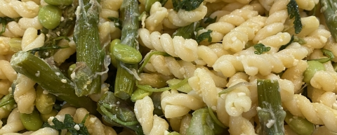 fusilli pasta with asparagus, spinach, and edamame